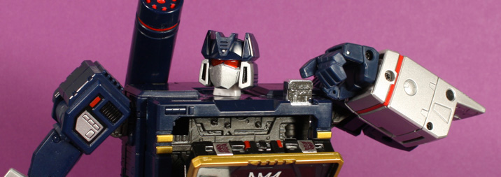 Transformers Masterpiece Soundwave MP-13 Review + Gallery
