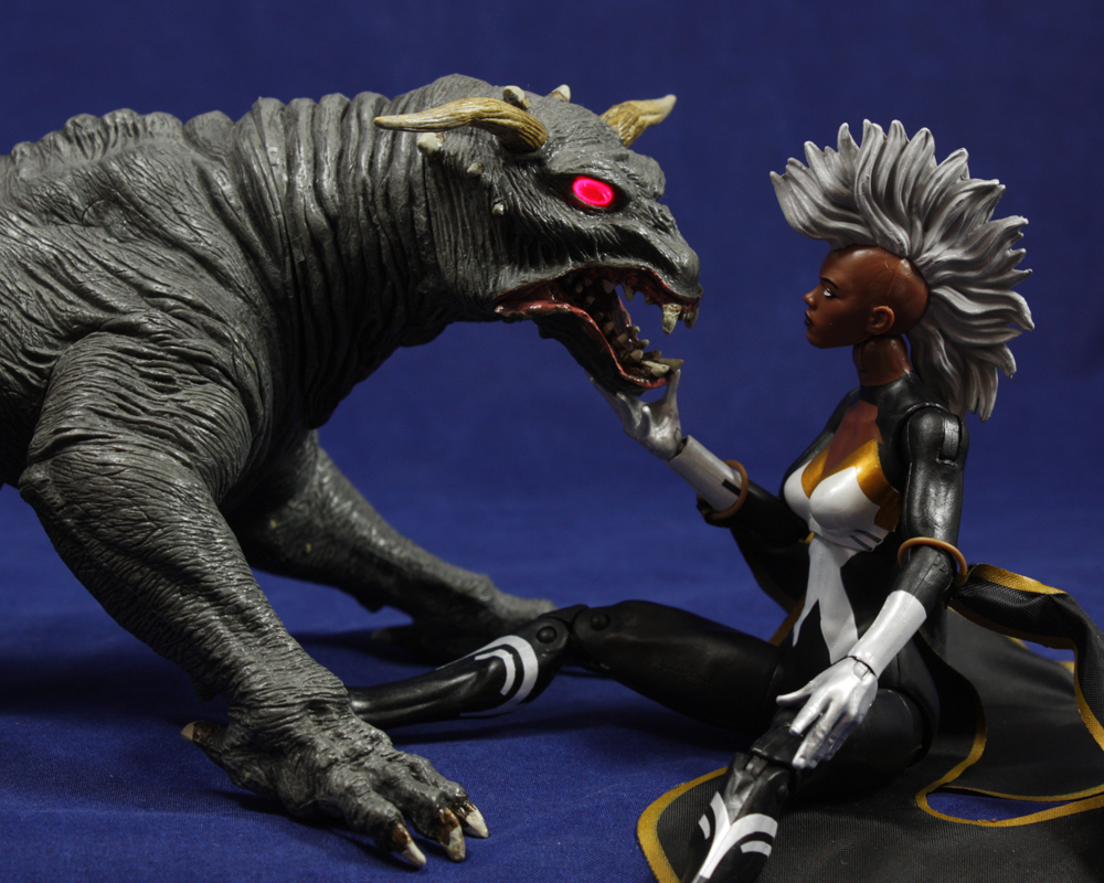 Marvel Legends X-Men Infinite Series Storm Review