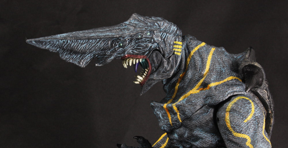 NECA Pacific Rim TRU Exclusive Clean Knifehead Review