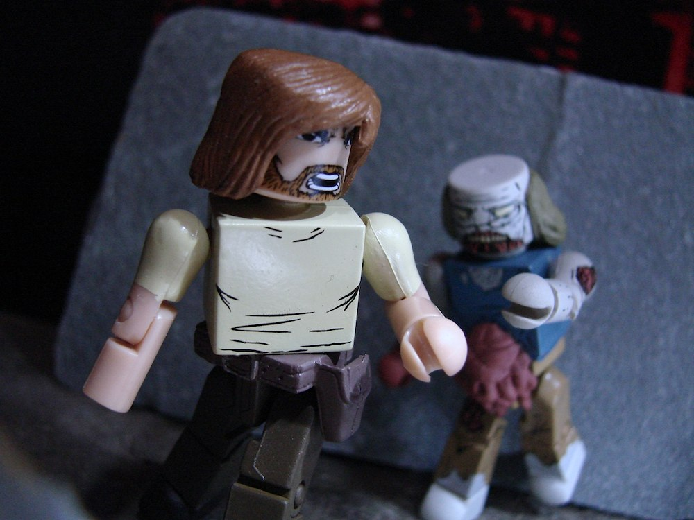 Walking Dead's All Out War Minimates Coming to TRU!