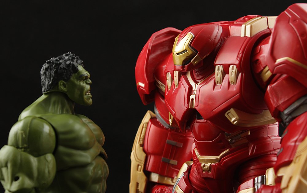 Marvel Legends Avengers Series Hulkbuster Build-A-Figure Review