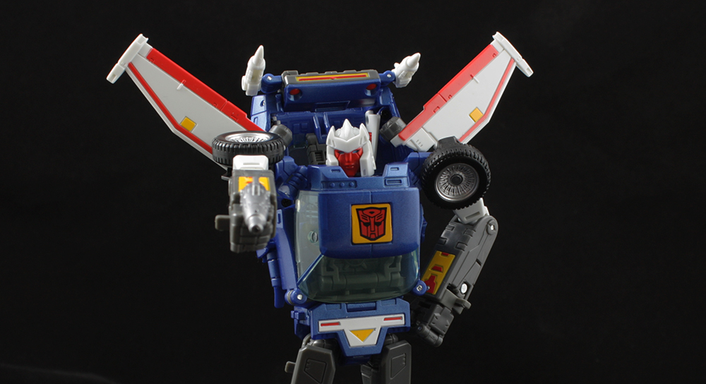 Transformers Masterpiece MP-25 Tracks Review