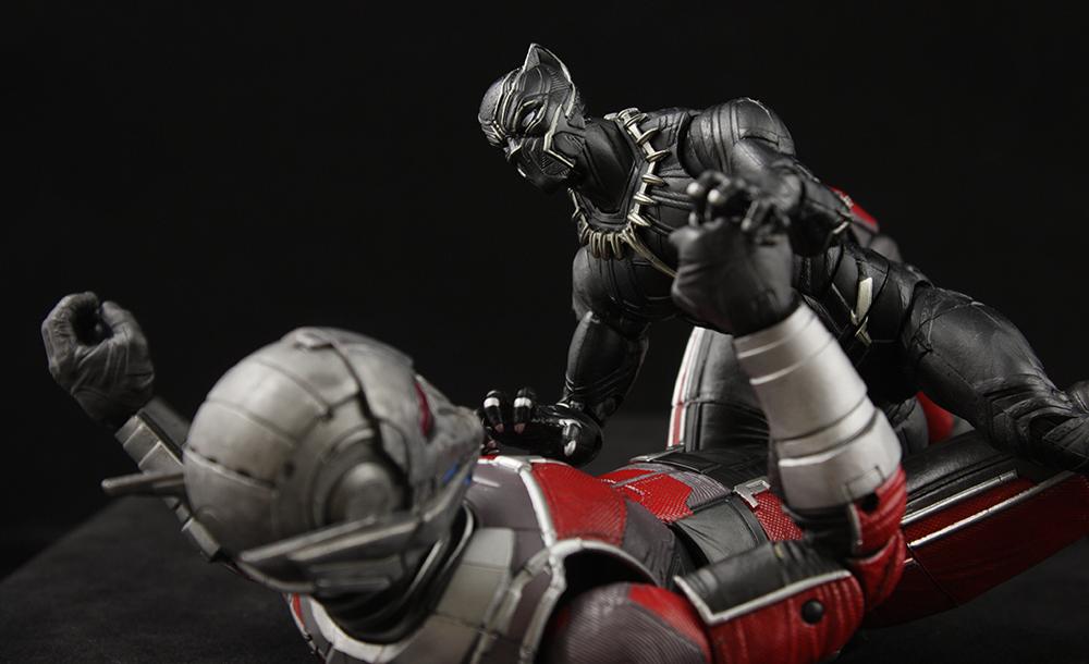 Marvel Legends Civil War Giant Man Series Black Panther Review