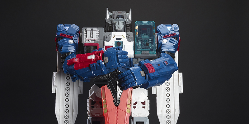 SDCC 2016: Hasbro Reveals Exclusive Fortress Maximus!