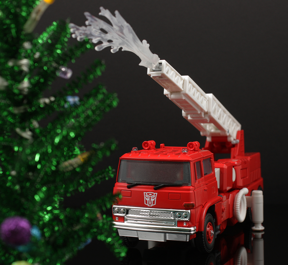 Review Advent Calendar Day 2: Transformers Masterpiece MP-33 Inferno
