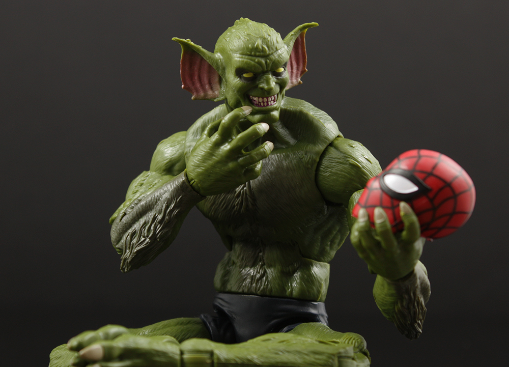 Review Advent Calendar Day 9: Marvel Legends Sandman Series Jackal