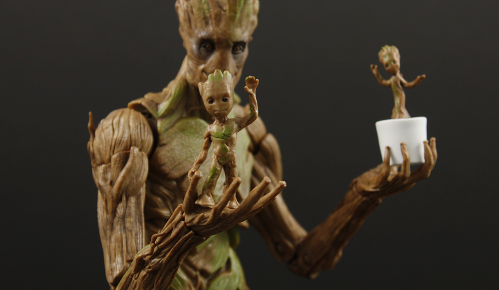 Hasbro Marvel Legends Toys R Us GOTG Groot Evolution Review