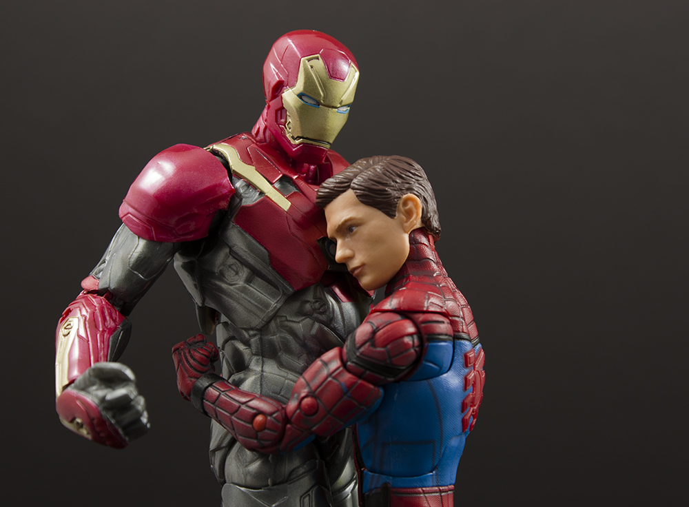 Marvel Legends Homecoming Spider-Man/Iron Man Two-Pack Review